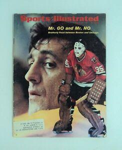 1971 Sports Illustrated NHL HOCKEY Magazine Black Hawks Bruins - FLASH SALE