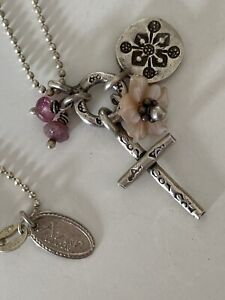 Pretty Vintage Azuni Sterling Silver Cross & Floral Charm Necklace .16 Inch