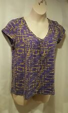 Daisy Fuentes Women Size M Purple Pattern Short Sleeves Shirt