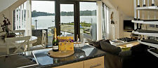 CENTRE OF ENGLAND HOLIDAY PARCS FAMILY LAKESIDE BOAT HOUSE LOG CABIN FREE BOAT