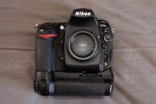 Nikon D700, MBD10 vertical grip, 2 batteries, origional box, 54k clicks