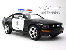 Ford Mustang GT 2006 - Police - 1/36 Scale Diecast Model by Kinsmart
