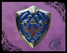 Legend of Zelda Link metal and enamel shield Pin Badge Breath of the Wild