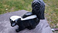 concrete skunk black and white pepé le pew lawn/garden statue
