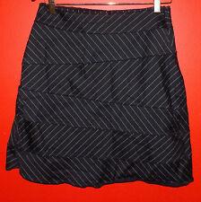 Renfrew Black & White Zig Zag Lined Skirt Size 4 Renfrew Size 4 Short Skirt