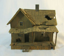 HO Scale Craftsman Abandoned Country House w/Outhouse - wood - built-up