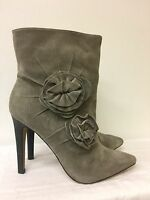 Vince Camuto Women taupe gray Ankle Boot size 6.5 B