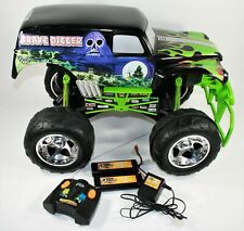 2003 TYCO GRAVE DIGGER MONSTER TRUCK 1:6 Remote Control, 2 Batteries & Charger