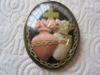 ANTIQUE EX VOTO OFF THE SACRED HEART UNDER DOMED GLASS/ FRENCH RELIQUARY