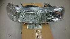1999 to 2006 Chevy Silverado GMC Sierra Passenger Right Headlight 16524854