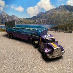 Hot Wheels Truck/Lorry 1:64 Scale (FREE P&P UK ONLY)