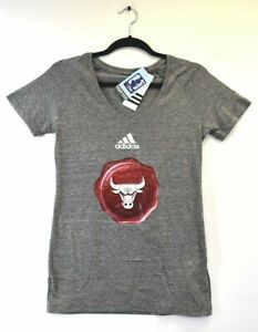Adidas NBA 4 Her Women's S M XXL Chicago Bulls Shirt Sleeve V-Neck T-Shirt Gray