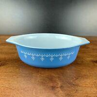 Vintage Pyrex #043 1 1/2 Quart Snowflake Blue Garland Oval Casserole Dish