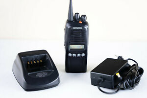 Kenwood TK-3180 K Portable Two Way Radio UHF 450- 512 MHz  Charger✔ Battery✔