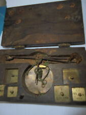 28202 18. Jhd antike Goldwaage Münzwaage louisdor Duc 5 Gewichte 3x7x12cm