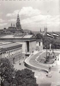 Wien, Parlament mit Rathaus und Votivkirche glum 1930? G0376