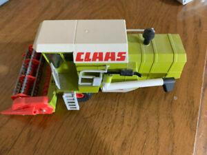 CLAAS Dominator Combine Diecast Toy