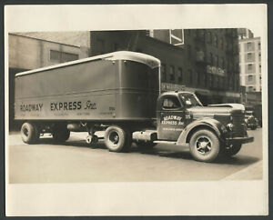 INTERNATIONAL HARVESTER HB TRUCK c.1948-49 Roadway Express Original 8x10 Photo