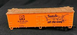 Life Like SFRD Grand Canyon Line #25077 Orange Reefer Car HO Gauge Scale