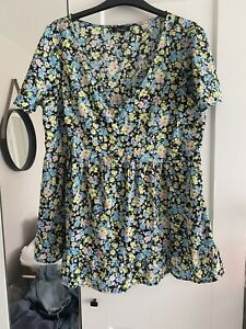 New Look Maternity Nursing Floral Top Size 14