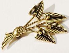 Bijou Vintage broche ancienne métal léger couleur or gravé en relief * 5069