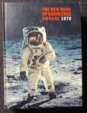 1970 THE NEW BOOK OF KNOWLEDGE ANNUAL by William Shapiro HC FVF 7.0 424pgs