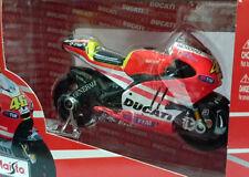 Ducati Desmosedici GP11 Valentino Rossi escala 1/18 Maisto