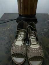 Girls Innocence taupe Zip Back Sandal With Ties Size 4.