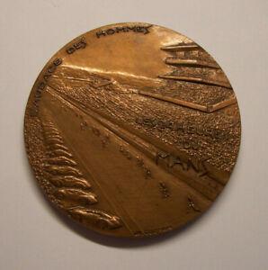 Médaille 24 HEURES du MANS 1970 bronze COEFFIN L'audace des hommes CATHEDRALE