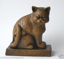 Église de chat avec souris de collection unique ornement cadeau reproduction en chêne sculpté.