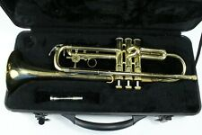 Holton Trumpet Brass Student Beginner Horn T602R with Mouthpiece