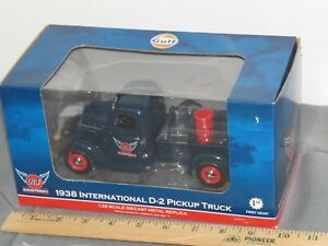 1938 International D-2 Pickup GULF Oil Aviation Barrel First Gear 49-0312 1:25
