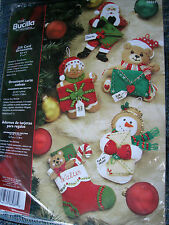 Christmas Holiday Bucilla Felt Applique Craft KIT,GIFT CARD ORNAMENTS,#86037