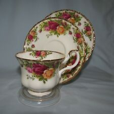 ROYAL ALBERT OLD COUNTRY ROSES TRIO OLD ENGLISH MADE