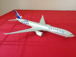 Hogan Wings Air France Skyteam F-GZNE 777-300ER 1/200 W/Gear