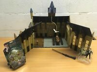 HARRY POTTER GREAT HALL PLAYSET COMPLETE DUMBLEDORE AND HARRY FIGURES