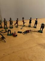 Vintage Cast Metal Toy Solider Lot Britains  Old  A2P
