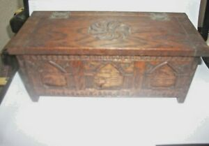 """Arts & Crafts carved oak wooden music box 9"""" x 4"""" original label plays Ave Maria"""