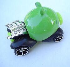 2014 Hot Wheels 81/250. GREEN Angry Birds Minion Pig. BFC90. Loose, fresh!