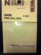 Detail Associates N Scale - Fire Call Box #8409 model trains - dioramas - New