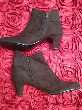 Aerosoles Women' Size 8 and 1/2 Med Brown Boots