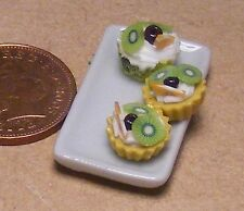 1:12 Scale 3 Kiwi Fruit & Cherry Cup Cakes On A Plate Dolls House Accessory PL57