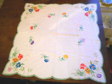 VINTAGE TABLECLOTH DAISY FLOWERS EMBROIDERY LINEN TEA COTTON CROCHET WHITE GREEN