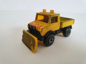 MATCHBOX UNIMOG RESCUE SNOW PLOUGH SCALE MODEL 1983 VINTAGE COLLECTION YELLOW