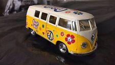 Volkswagen Classiche Bus 1962 giallo segni modello giocattolo 1/32 scala