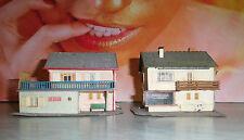 2 alte Wohnhäuser / Einfamilienhäuser mit FLEUROP-Laden in Größe HO (H547)/ 2
