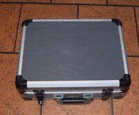 Kraftwerk 1994 Alu-Werkzeugkoffer mit diversen Wolf-Ersatzteilen (HR)