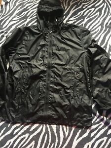 UNDER ARMOUR 2XL Black Hooded Jacket Fitness Active