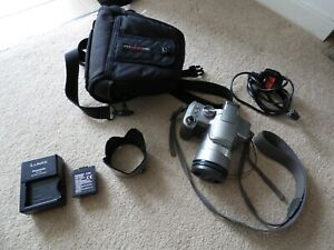 Panasonic Lumix DMC FZ8 Camera in Silver with Battery Charger DE-A44 & Battery