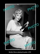 POSTCARD SIZE PHOTO OF MOVIE STAR MARILYN MONROE PLAYING THE GUITAR c1958